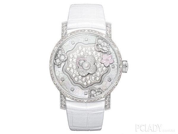 尚美巴黎推出白金腕表 简约清新,魅力难挡