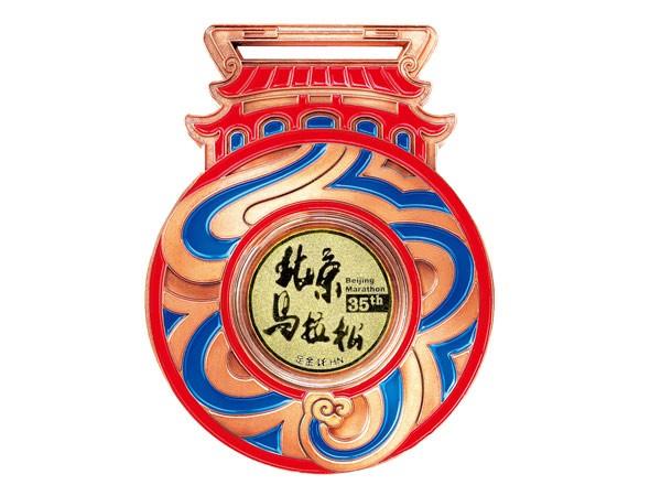 六福珠宝推出精美镶足金奖牌 见证选手的尊贵荣誉