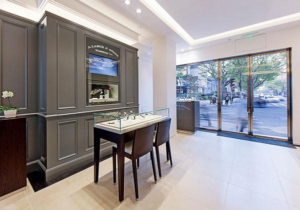 朗格北京SKP开设全新专卖店,上海专卖店乔迁新址