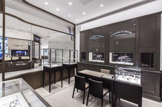 朗格表于北京精品购物地标SKP商场一层开设专卖店