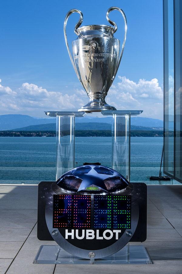 宇舶表正式成为欧冠与欧联杯进官方腕表合作伙伴