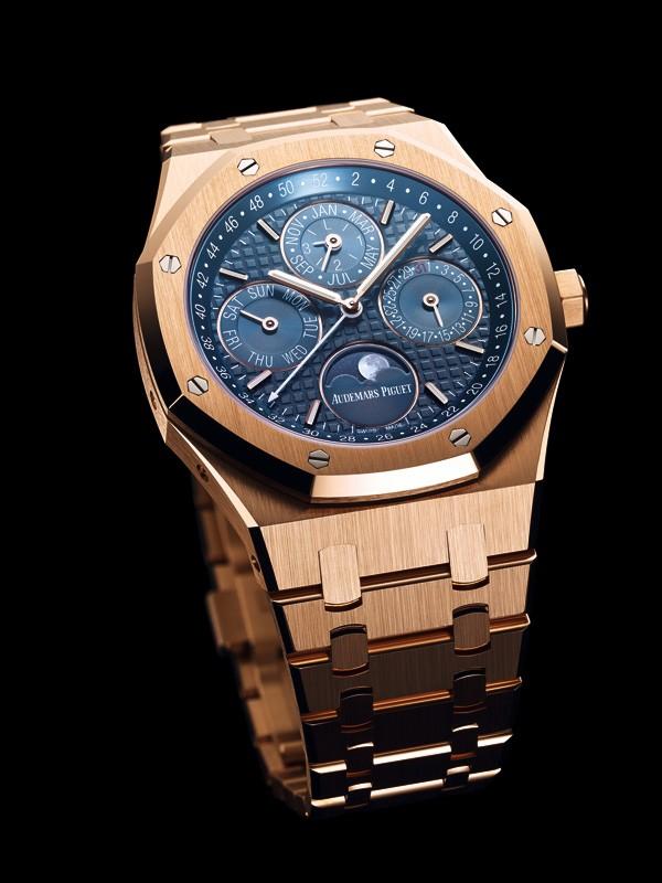 爱彼推出全新皇家橡树系列万年历腕表