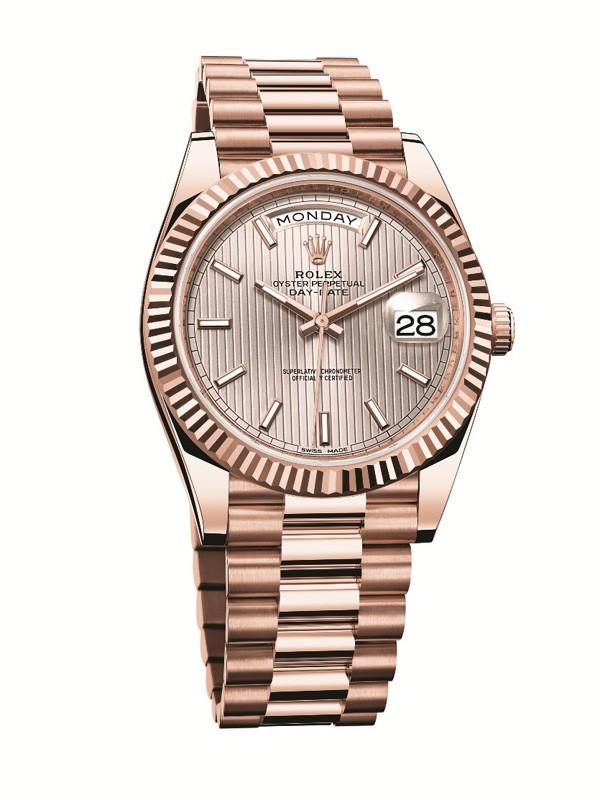 劳力士新一代蚝式恒动星期日历型40腕表