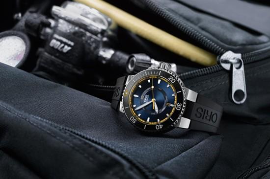 豪利时推出全新大堡礁限量版潜水腕表