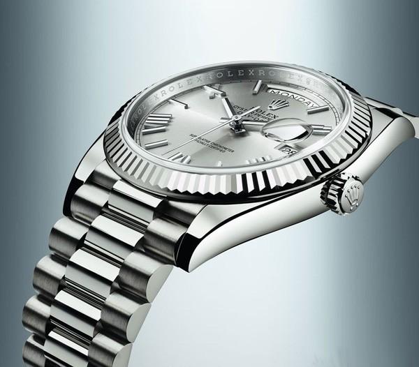 ROLEX 劳力士全面提高所产钟表的精准度