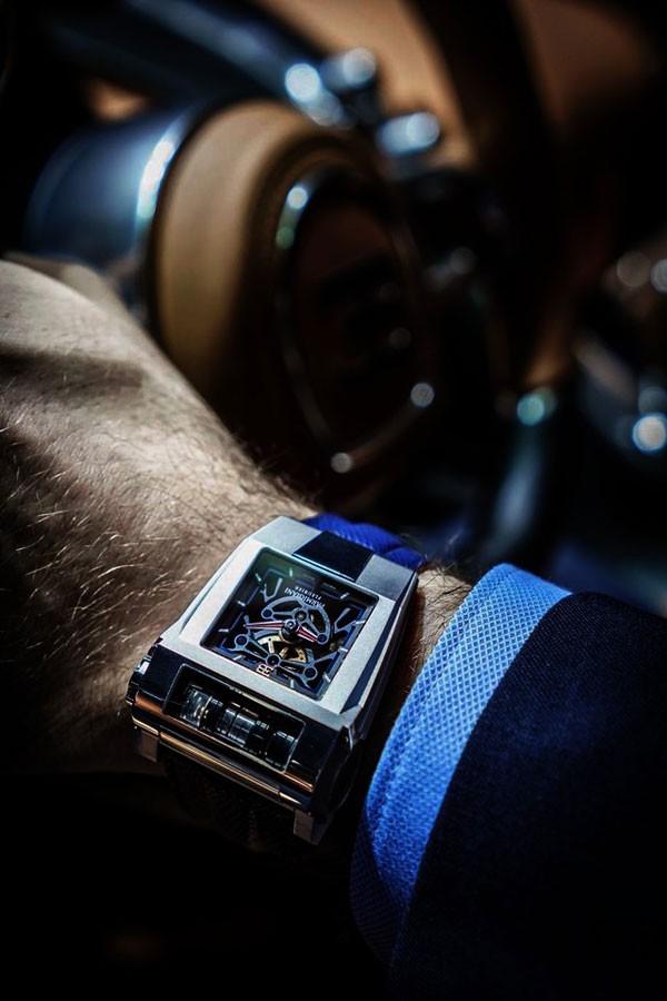 帕玛强尼全新BUGATTI 390 概念腕表