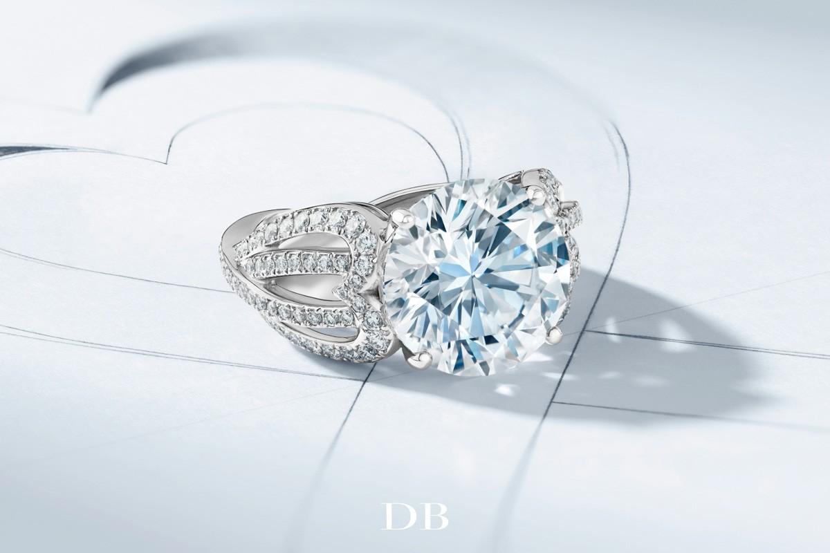 """戴比尔斯钻石珠宝为""""隆诗夫妇""""献上真挚的祝福"""
