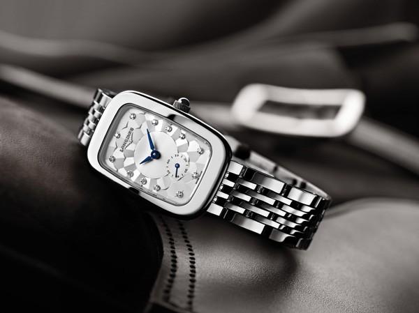 彰显马术热忱 浪琴表全新骑仕系列腕表