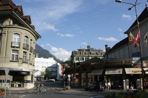 去香港、瑞士买表的利与弊