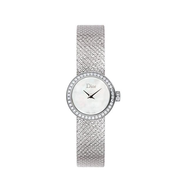 小尺寸腕表比手镯更能展现柔美与优雅气质
