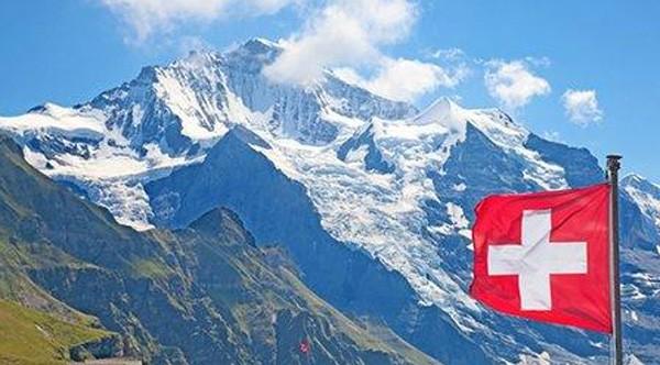 它用一支腕表致敬瑞士历史中的伟大创造!