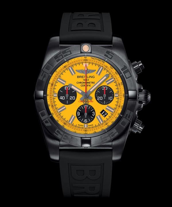 百年灵全新终极计时44黑钢特别版腕表
