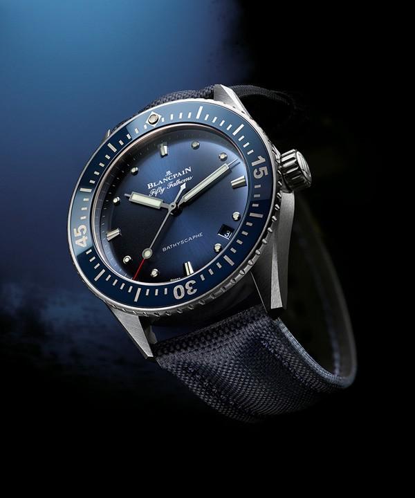 宝珀推出Blancpain五十噚深潜器Bathyscaphe大三针腕表