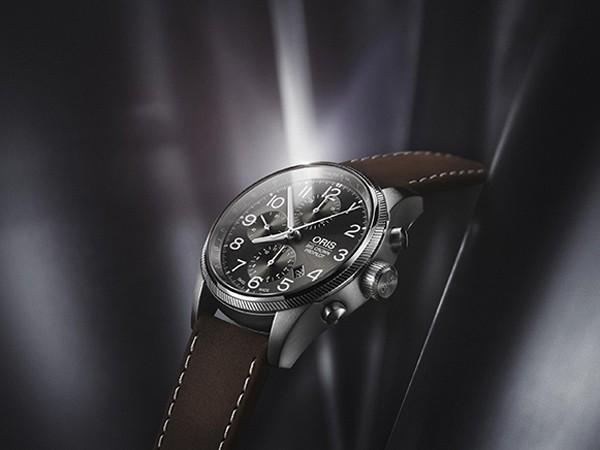 豪利时2017款大表冠飞行员GMT腕表与计时码表问